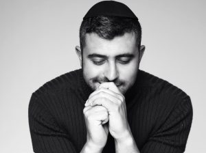 """גדול היוצרים של תחום המוזיקה היהודית ישי ריבו, מנפק להיט חדש, """"סיבת הסיבות"""""""